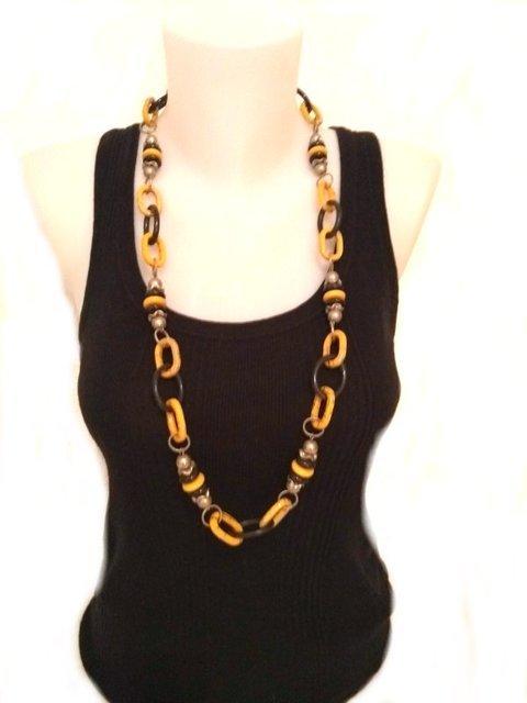 Collar cadena resina naranja/negro 432981