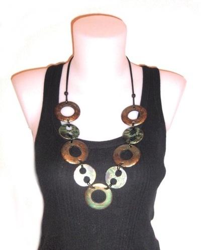 Collar círculos enlazados bronce/verde