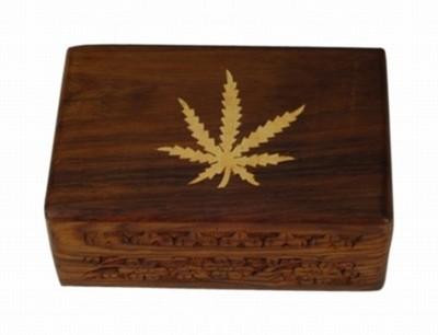 Caja madera decorada hoja mediana
